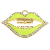 Sinkkiseos Lip riipukset, Huuli, kullan väri kullattu, emali & tekojalokivi, keltainen, lyijy ja sen kadmium vapaa, 66x43x5mm, Reikä:N. 6mm, 10PC/laukku, Myymät laukku