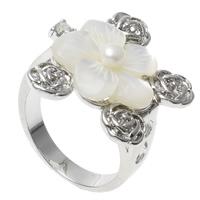 кольцо из ракушки, Латунь, с жемчуг & Белая ракушка, Форма цветка, Платиновое покрытие платиновым цвет, не содержит никель, свинец, 26x22x28mm, отверстие:Приблизительно 1mm, размер:7.5, 10ПК/сумка, продается сумка