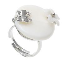 кольцо из ракушки, Латунь, с Белая ракушка, Плоская круглая форма, Платиновое покрытие платиновым цвет, регулируемый, не содержит никель, свинец, 23x25x31mm, отверстие:Приблизительно 1mm, размер:7.5, 10ПК/сумка, продается сумка