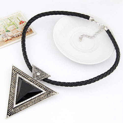 Zinc Alloy Jewelry Necklace, with PU & Resin, Triangle, antique silver color plated, black, lead & cadmium free, 400x93x86mm, Sold Per Approx 15.75 Inch Strand