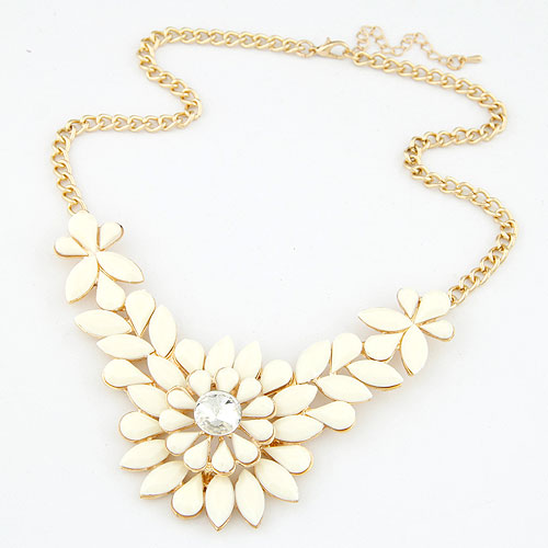 Resin Necklace, Zinc Alloy, with Resin, Flower, gold color plated, twist oval chain, beige, lead & cadmium free, 400x108x50mm, Sold Per Approx 15.75 Inch Strand
