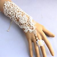 Свадебный браслет кольцо, Кружево, с ABS пластик жемчужина, цинковый сплав Замок-карабин, с 7cm наполнитель цепи, Форма цветка, Для Bridal, белый, 160x120mm, размер:6.5, длина:Приблизительно 6 дюймовый, 3пряди/сумка, продается сумка