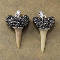 Естественный костяная подвеска, Латунь, с Природные зубы акулы & клей, плакирован серебром, не содержит никель, свинец, 22-23x36-38.5x11.5-13.5mm, отверстие:Приблизительно 5.5x7mm, 10ПК/Лот, продается Лот