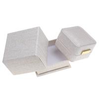 Tektura Pojedyncze pudełko na pierścionek, ze PU & Welwet & Stop cynku, Kwadrat, Platerowane w kolorze złota, khaki, 68x45x68mm, sprzedane przez PC