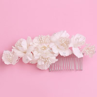 Bridal Decorative Hair Comb, Spun Silk, with ABS Plastic Pearl & Zinc Alloy, Flower, silver color plated, for bridal & with rhinestone, white, 170x70mm, Sold By PC