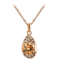 Австрийских кристаллов ожерелья, цинковый сплав, с железный цепи & Австрийский хрусталь, плакирование настоящим розовым золотом, твист овал & граненый & со стразами, не содержит свинец и кадмий, 35x15mm, Продан через Приблизительно 17.5 дюймовый Strand