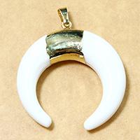 Белый Керамик подвеска, с Латунь, Луна, плакированный настоящим золотом, природный, 38x40x8.50mm, отверстие:Приблизительно 5x7mm, 5ПК/Лот, продается Лот