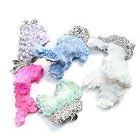 Натуральный коралл подвеска, с Латунь, Платиновое покрытие платиновым цвет, разнообразный, 25-48x31-66x10-22mm, отверстие:Приблизительно 4x7mm, 5ПК/Лот, продается Лот