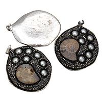 Colgante de piedras preciosas fósiles de amonita, Трубчатая ракушка, с клей & Стеклянный жемчуг & Латунь, плакирован серебром, природный & разнообразный, 42-43x52-53x7-8mm, отверстие:Приблизительно 4.5x7mm, продается PC
