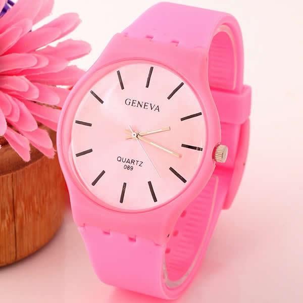 Красивые часы белые